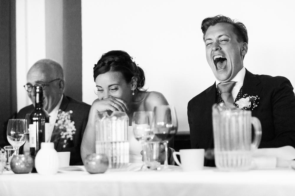 Bröllop på Färöarna, gapskratt vid middagen